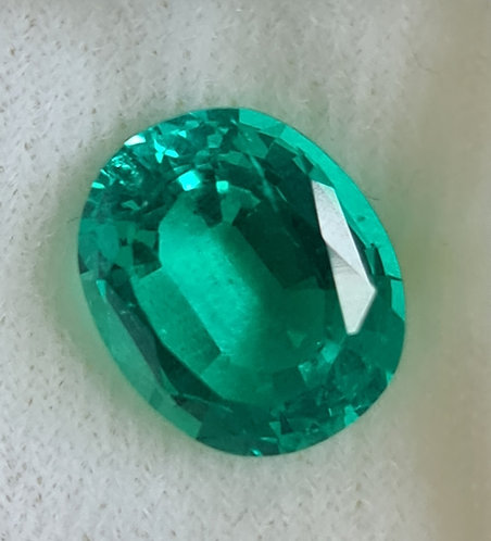 Colombian color created Emerald 13x11 mm oval 5.83 ct