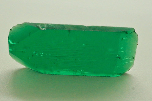 Hydrothermal Emerald Colombian color 42.91 cts Thickness 4 mm
