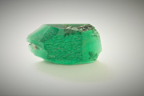 Hydrothermal Emerald Regular color, Weight 49.13 cts, Thickness 5.6 mm