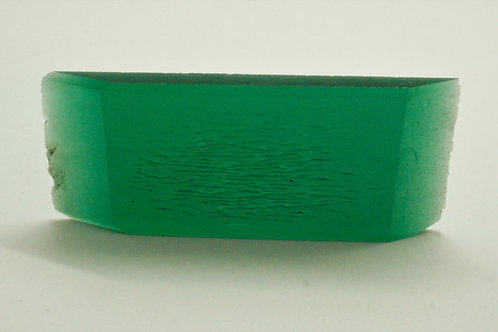 Hydrothermal Emerald Regular color, Weight 65.11 cts, Thickness 3.9 mm