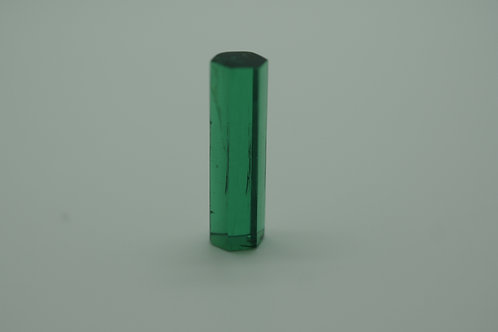 Hydrothermal Emerald Crystal Colombian color, Length 22 mm, Weight 8.12 cts