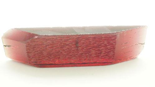 Hydrothermal Maroon color Beryl, Length 75 mm, Weight 113.14 cts