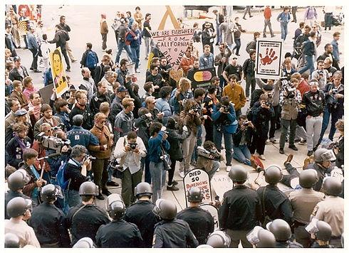 640px-FDA_History_-_AIDS_Protest_(4898662239).jpeg