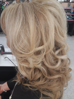 Side view curly blow dry using Dyson Air