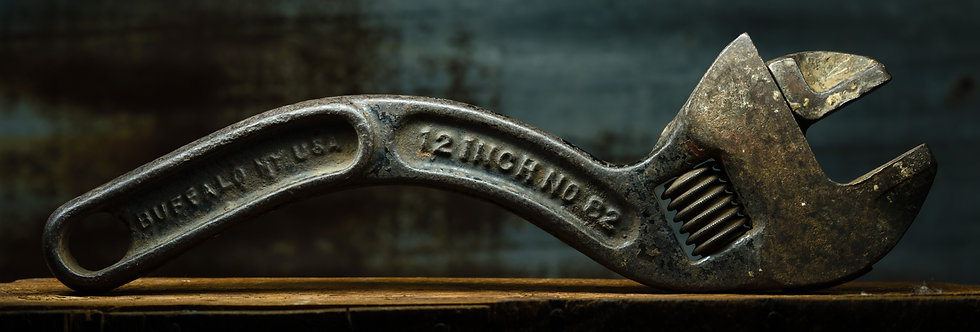 Vintage Wrench ! Curvey