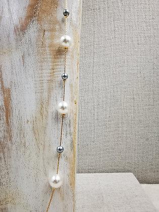 Collar perla blanca y gris