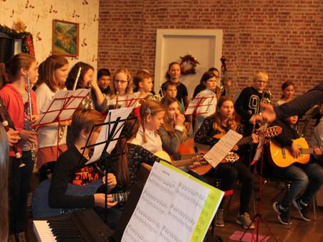 Musikmittelschüler zu Gast in der VS Plenkerstraße