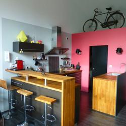 cuisine noir et bois,et rose (avant)