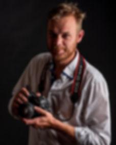 Autoportrét_s_fotoaparátem.jpg