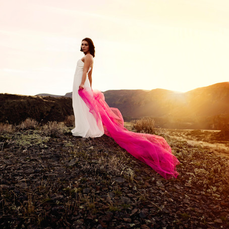 Flowing Dresses at sunset in North Central Washington | Wenatchee Photographer