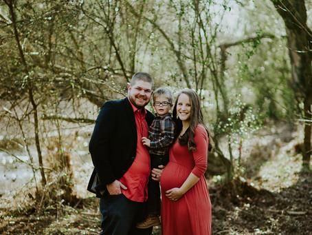 Kelsie + Ryan / Leipers Fork Maternity Session