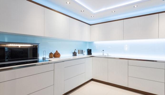 LED-strip-in-kitchen_0.jpg