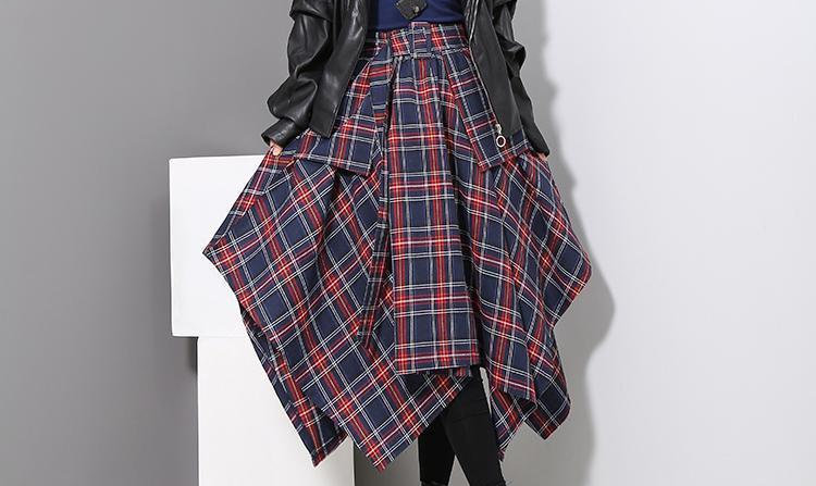 Aitana Plaid Picnic Skirt - Navy