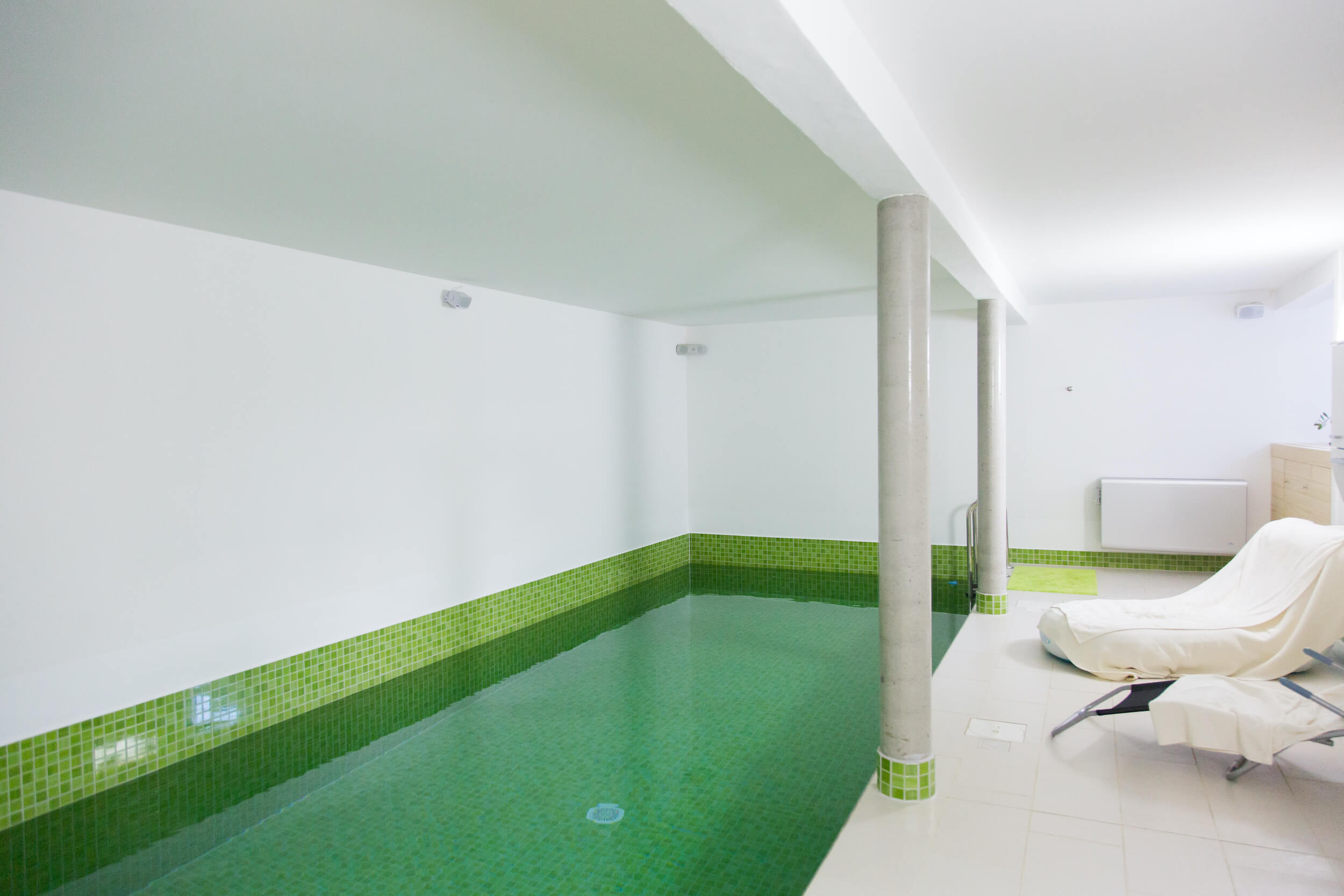 Indoor Poolanlage.