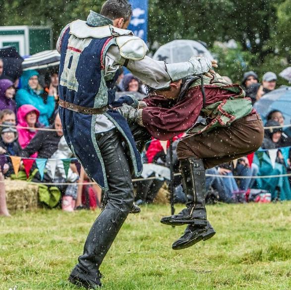 Sir Maxwell beats Sir Archibald Douglas!