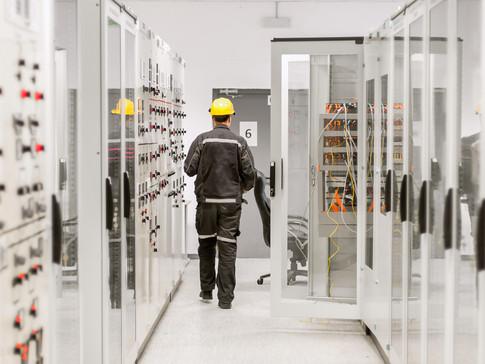 Aumentar la capacidad de activación de los distribuidores en la fabricación de equipos eléctricos