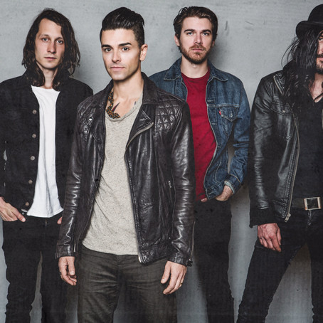 INTERVIEW: Chris Carrabba (DASHBOARD CONFESSIONAL)