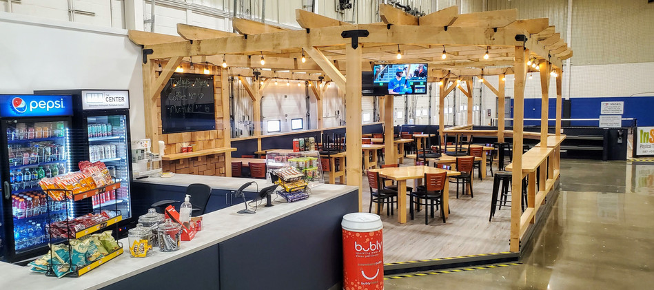 Courtside Cafe and Bar