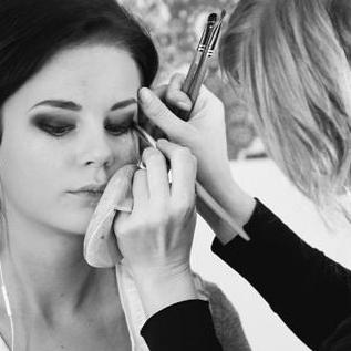 Make up artist, sminkös