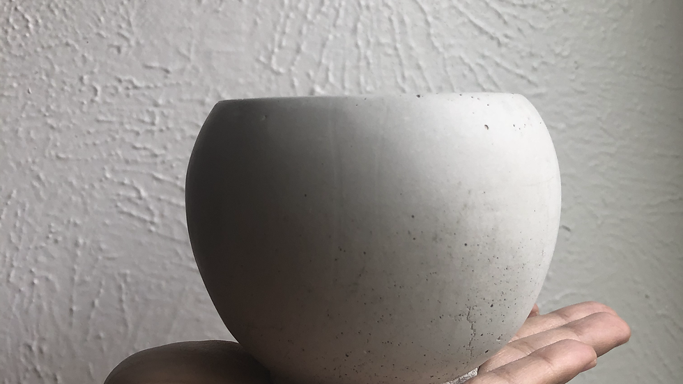 "3.5"" Concrete round planter"