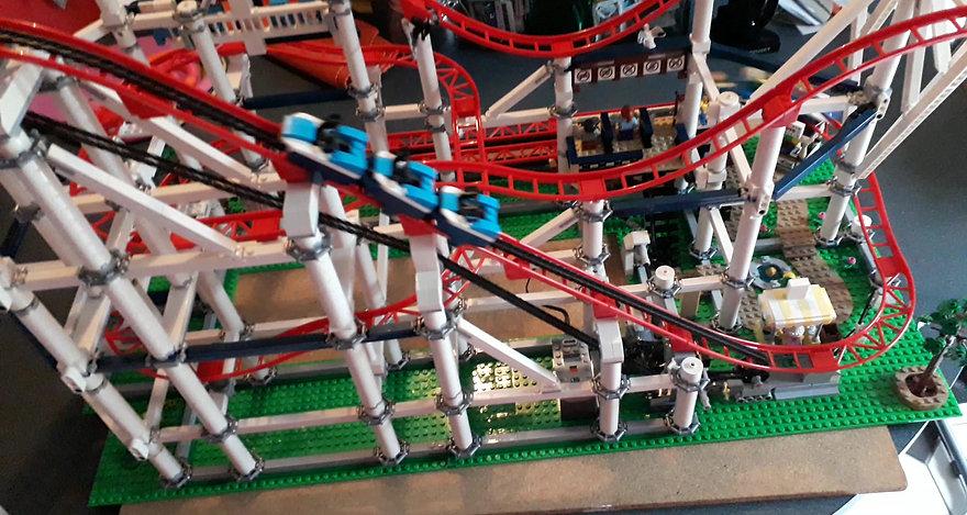 Lego Creator 10261 Coaster