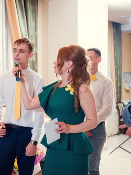 жених на свадьбе.jpg