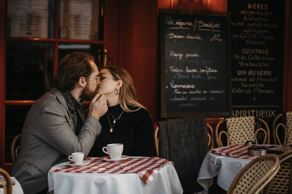 couple photo at Paris Cafe