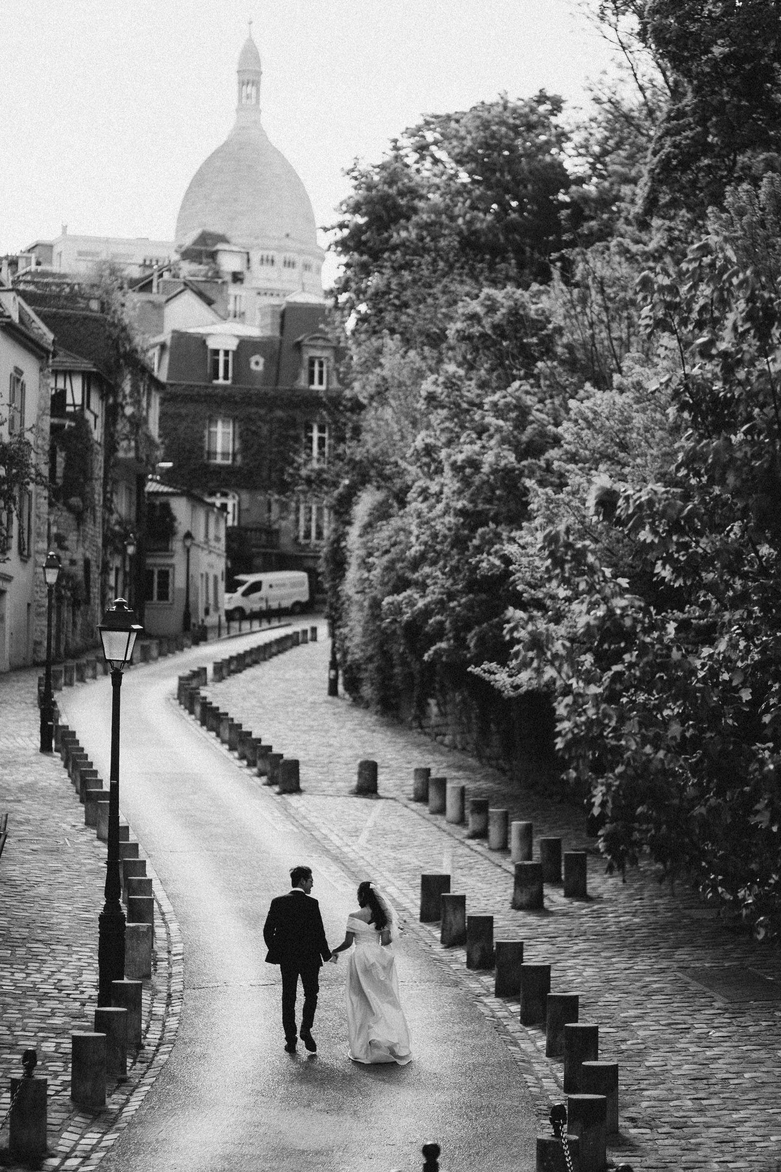 pre-wedding-photos-montmartre-paris-black-and-white