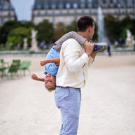 paris-family-photoshoot-father-and-son-having-fun-in-paris