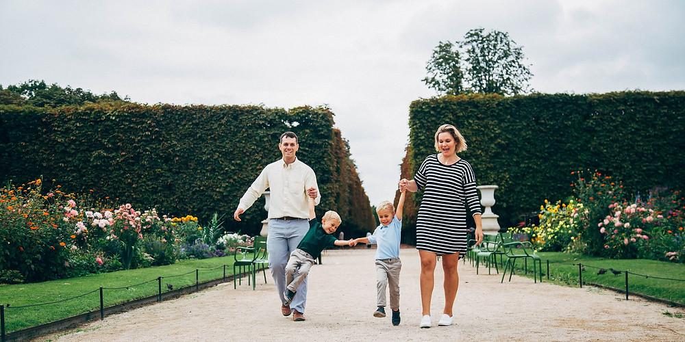 outdoor-family-photoshoot-family-of-four