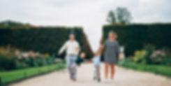 paris-family-photoshoot-cute-american-family-at-tuilerise-garden