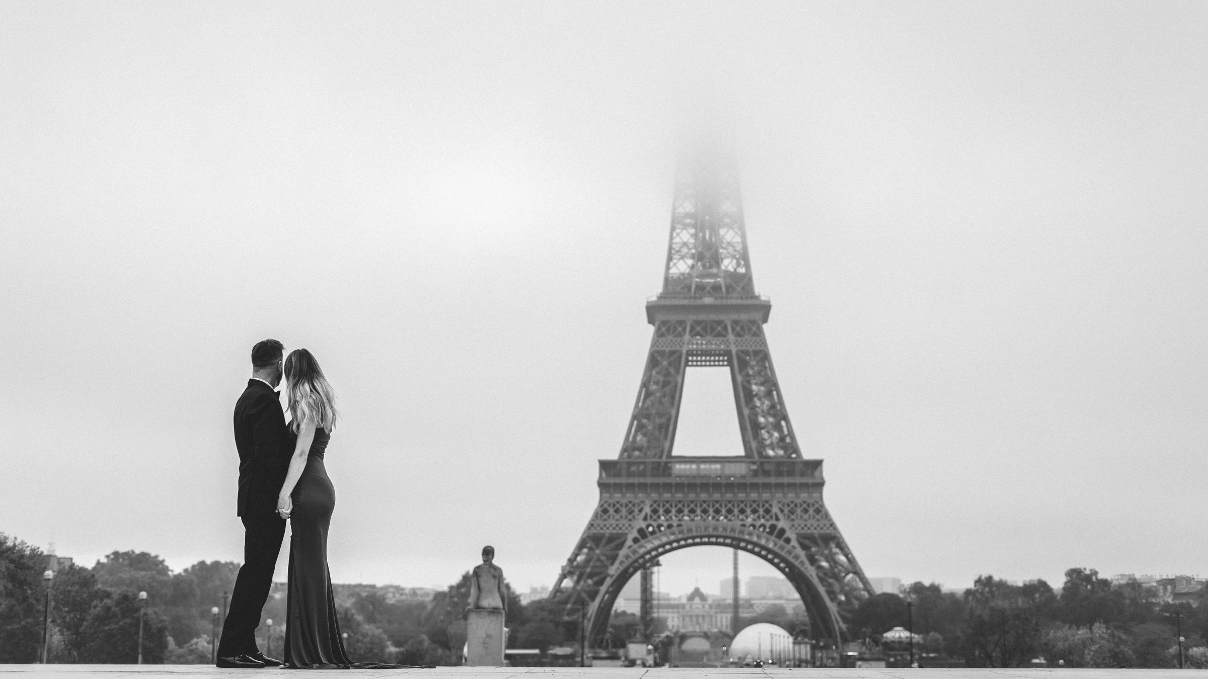 eiffel-tower-photoshoot