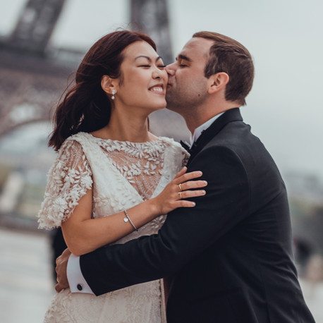 Beautiful Anniversary Photoshoot at Eiffel Tower