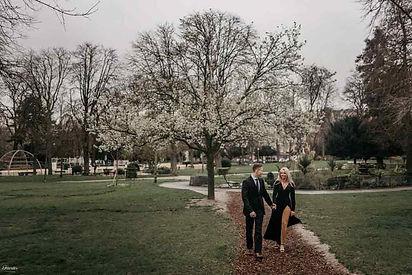 couple-photoshoot-romantic-couple-in-paris.jpg