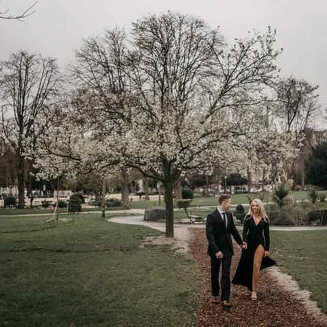 What to Wear for Engagement Photos? | Ultimate Guide by Seasons