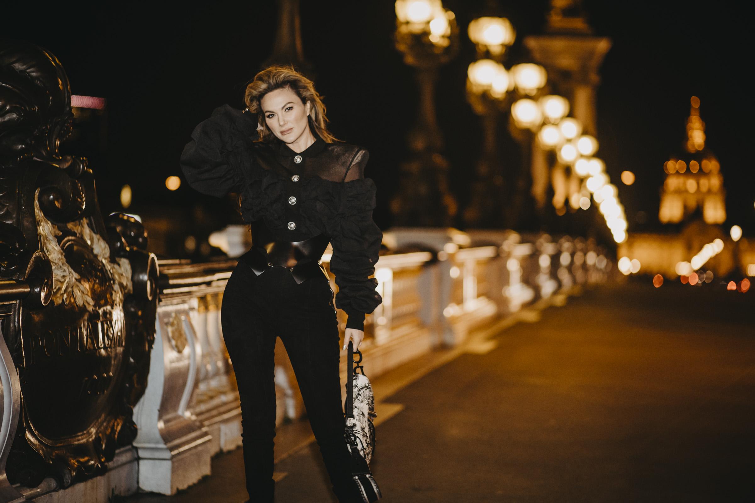 paris fashion photo at night