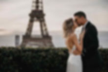 paris-photoshoot-cute-couple-kiss-at-eif