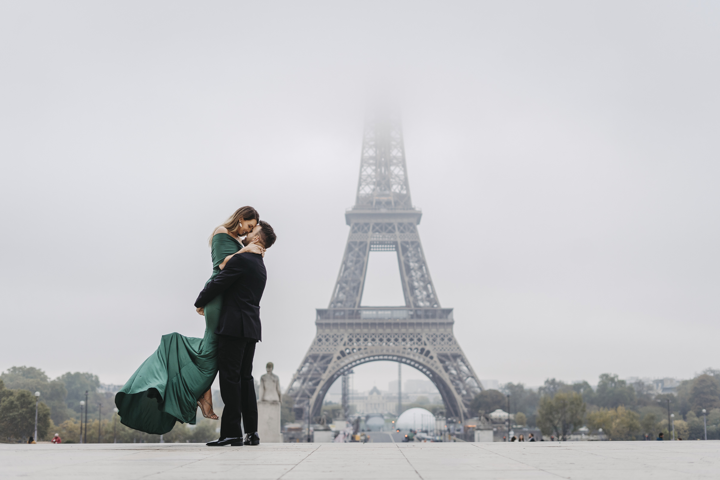 couple-photo-shoot-paris