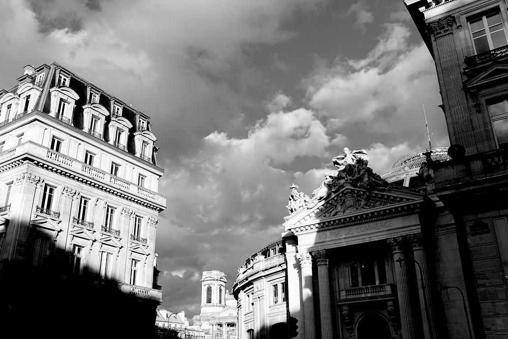 paris-photography-black-and-white-haussmann-building