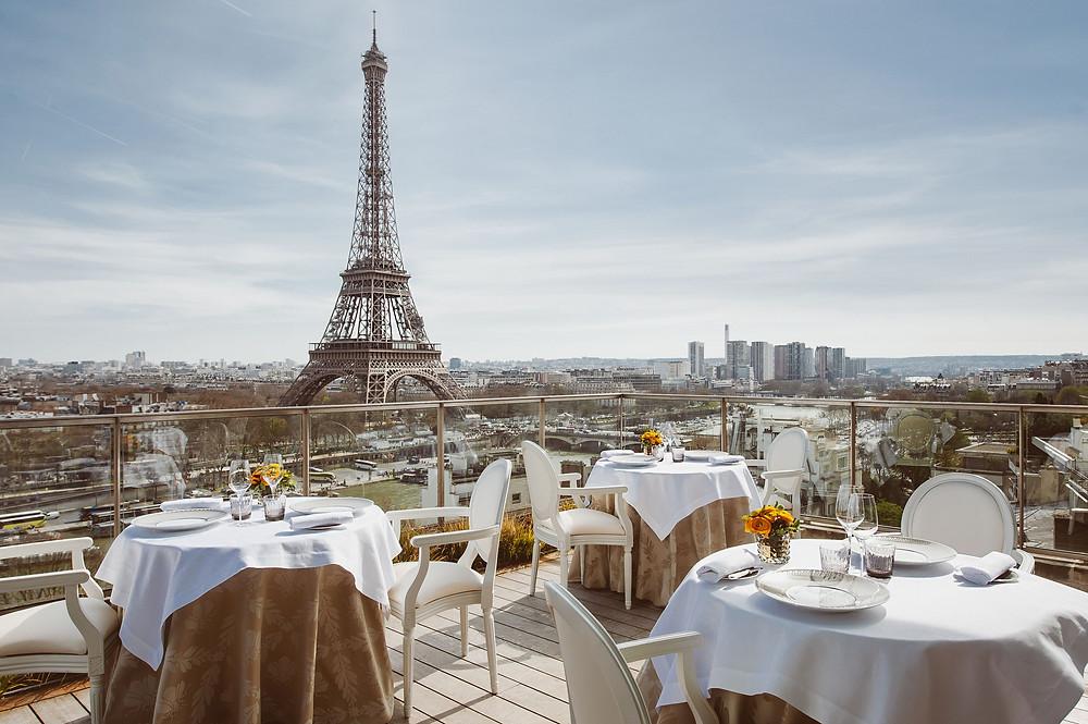 The-most-romantic-restaurants-in-Paris-l-abeille-paris