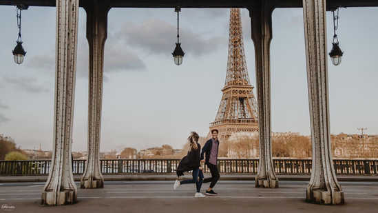 eiffel tower photoshoot paris photographer