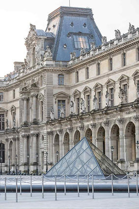 paris-photography-louvre-museum-small-pyramid.jpg