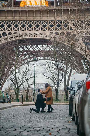 Eiffel-Tower-Proposal-Rue-de-universite.