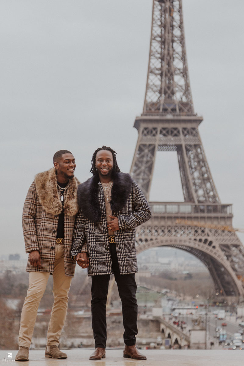 gay-photoshoot-couple-engagement-eiffel-tower-at-trocadero-paris
