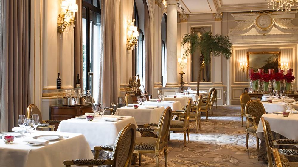 The-most-romantic-restaurants-in-Paris-le-cinq