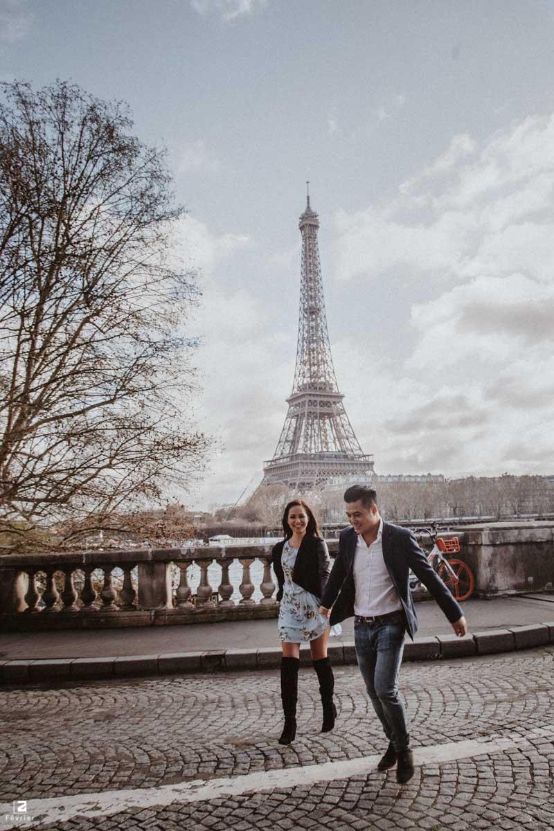 couple-photoshoot-eiffel-tower