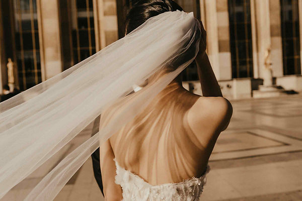 pre-wedding-photoshoot-bride-veil-close-