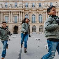 paris-family-photoshoot-kids-running
