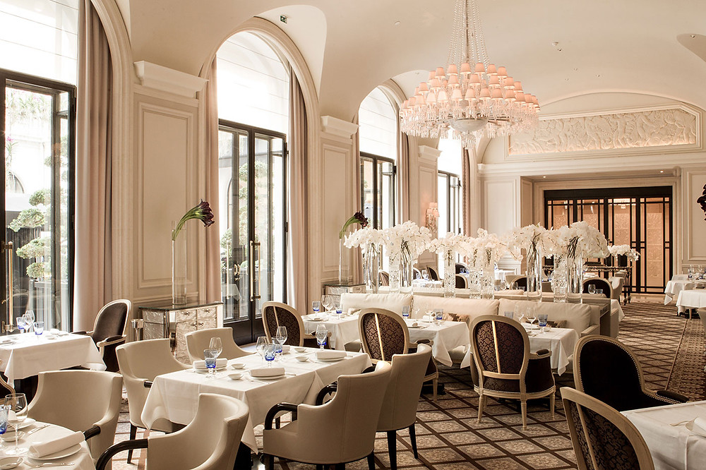 The-most-romantic-restaurants-in-Paris-le-george-four-seasons-hotel