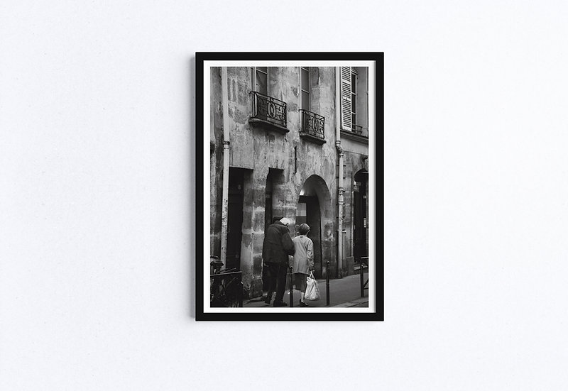 Couple aging walking on Paris Street - Black and white fine art print